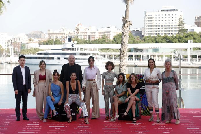 El equipo de 'Chavalas' en el Festival de Málaga