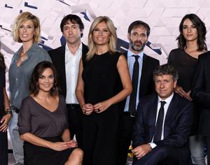 Antena 3 Noticias Estrena Plató Suelo Reflectante Gran Pantalla