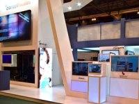 Crambo Visuales presenta sus soluciones con pantalla LCD transparente para digital signage
