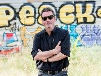 Enrique Urbizu repite con Movistar+ y prepara una nueva serie sobre bandoleros