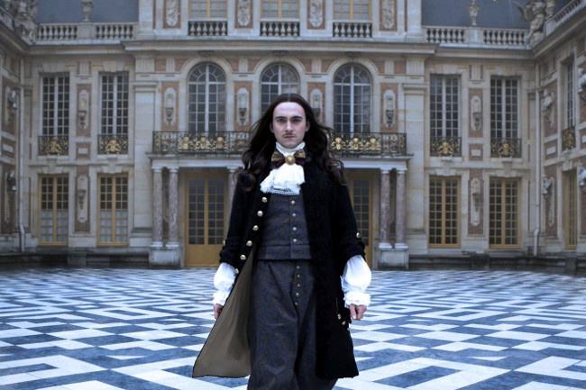 Versailles serie Movistar