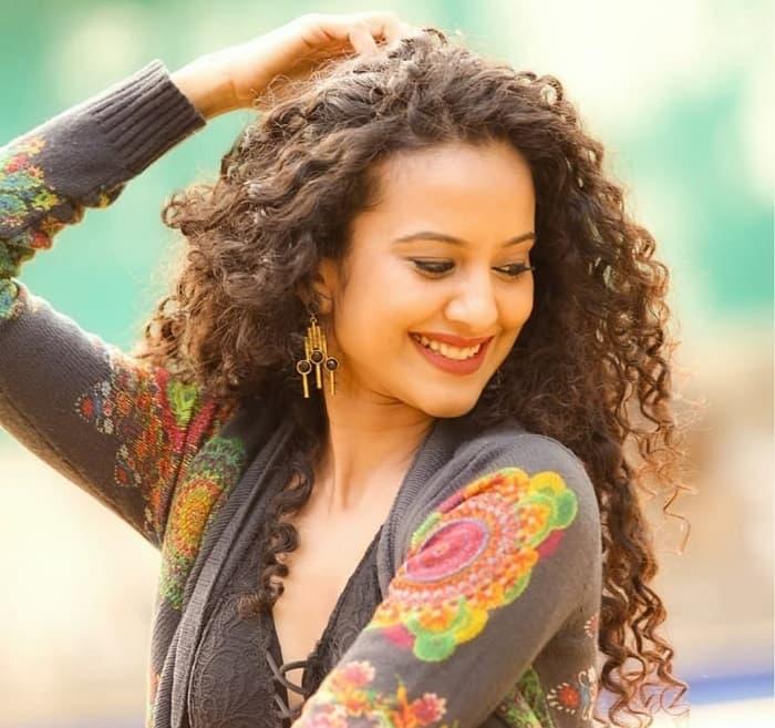 Neelu Vaghela made me feel comfortable on the sets of Aye Mere Humsafar – Heena Parmar