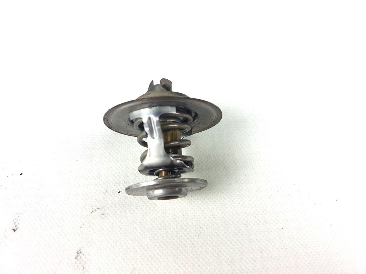 hight resolution of  engine coolant thermostat vw audi seat skoda 044121113