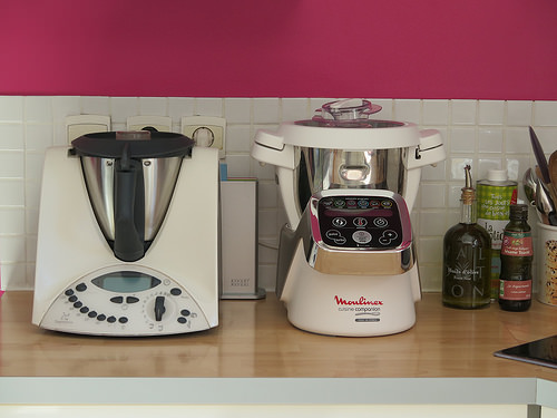 bien choisir son robot thermomix ou companion de moulinex. Black Bedroom Furniture Sets. Home Design Ideas