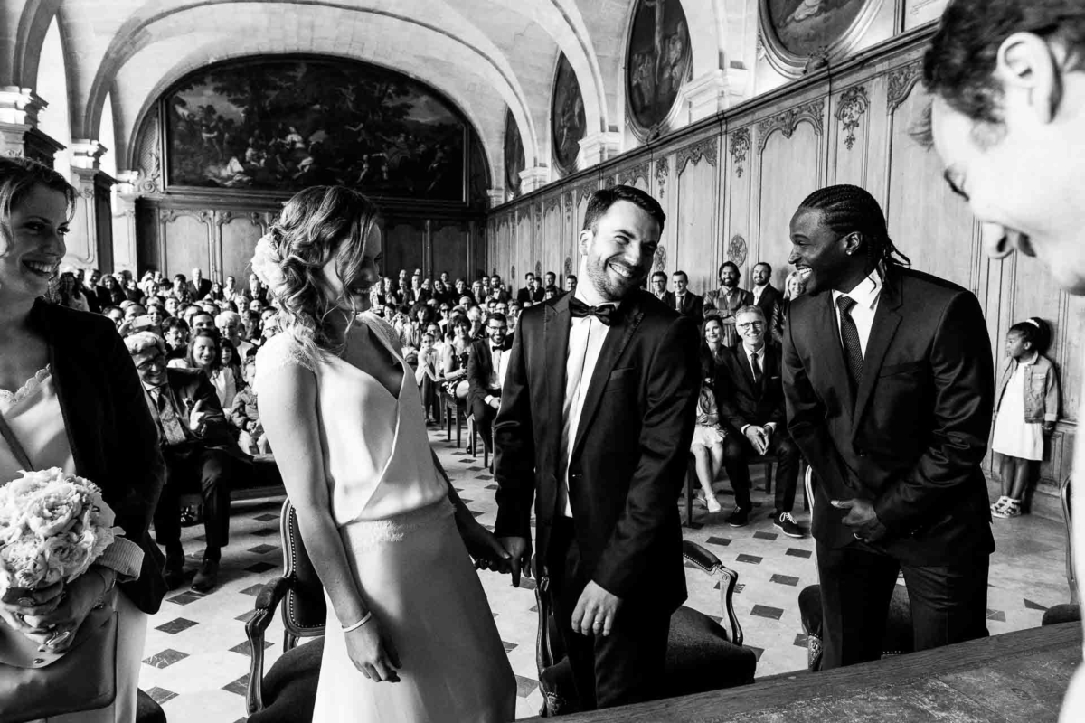 mariage civile, cérémonie civile, rire à la mairie, photographe mariage caen, audrey guyon