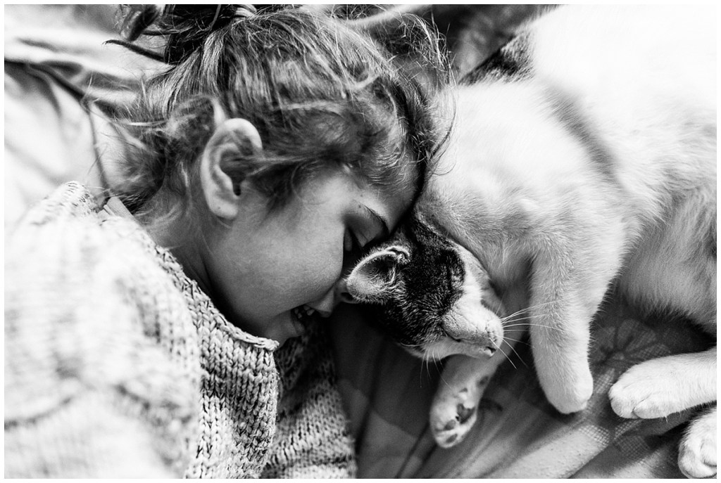 calin avec son chat