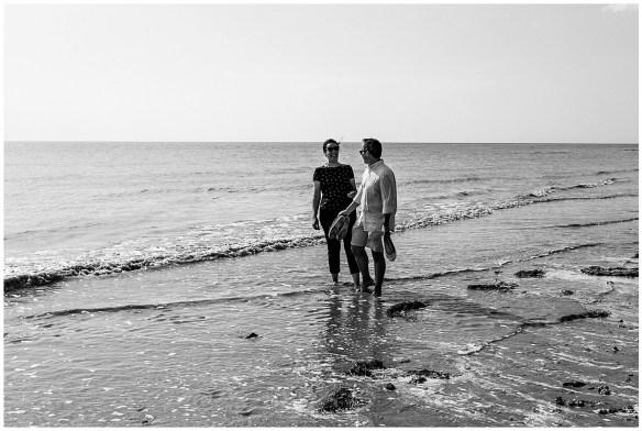 Photos de couple dans la baie du Mont Saint Michel, audrey guyon, photographe couple normandie