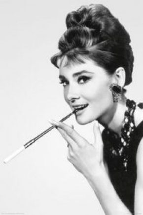 long cigarette holder breakfast at tiffany's