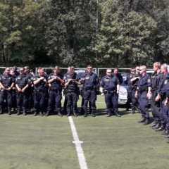 Polizei und Fußballrowdys!