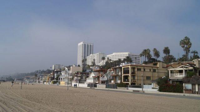 Mit United zum Strand von Santa Monica und lebenslangen Elitestatus zusammenmeilen