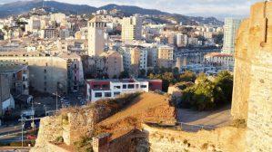 Blick auf die Stadt Savona von der Festung