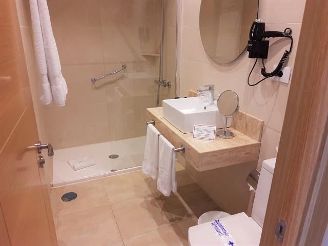 Badezimmer im Hotel La Aldea Suites