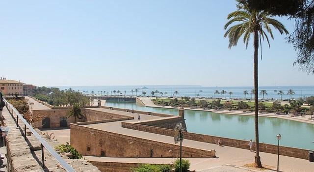 Was ist eine Mallorca Police und wo gilt die Versicherung?