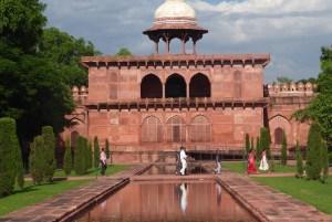 Indien Agra Taj red | aufmerksam reisen