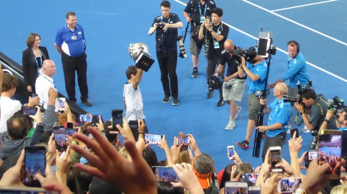 AUSopen Federer Pokal Einlauf Slider | aufmerksam reisen
