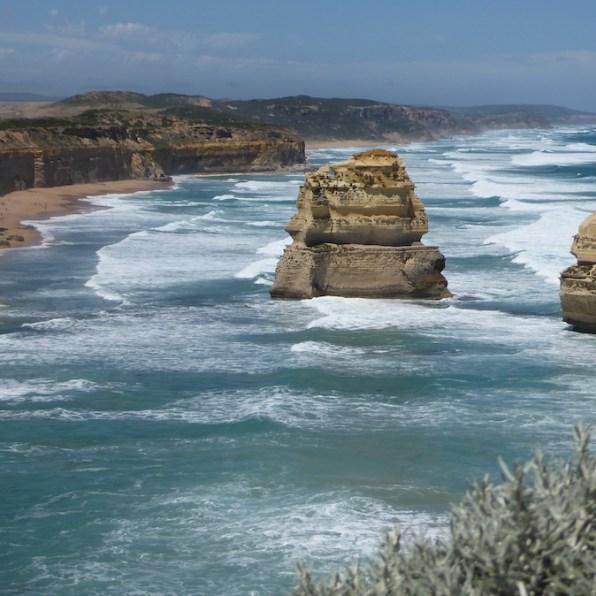 Australien-GreatOceanRoad-TwelveApostles-zwei-gruen