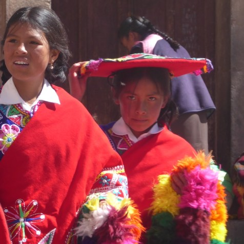Peru-Cusco-Maedels-Tracht