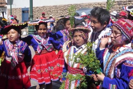 Peru-Cusco-feiert-Gruppe