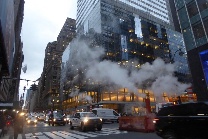 USA-NewYork-steaming