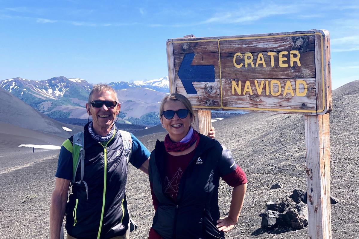 Wolfgang Eckart und Elke Zapf auf dem Weg zum Crater Navidad in Chile