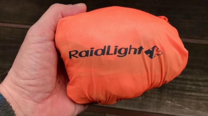 Eine Handvoll Jacke: Raidlight Top Ultralight.