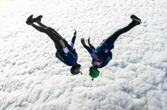 Winter skydiving