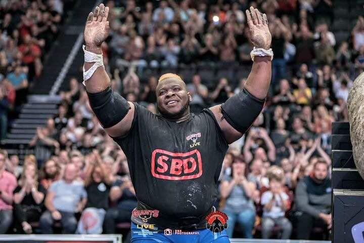 Haltérophilie: le Burkinabè Iron Biby, néo champion du monde ex-aequo du «World Strongest Log Lift 2018»