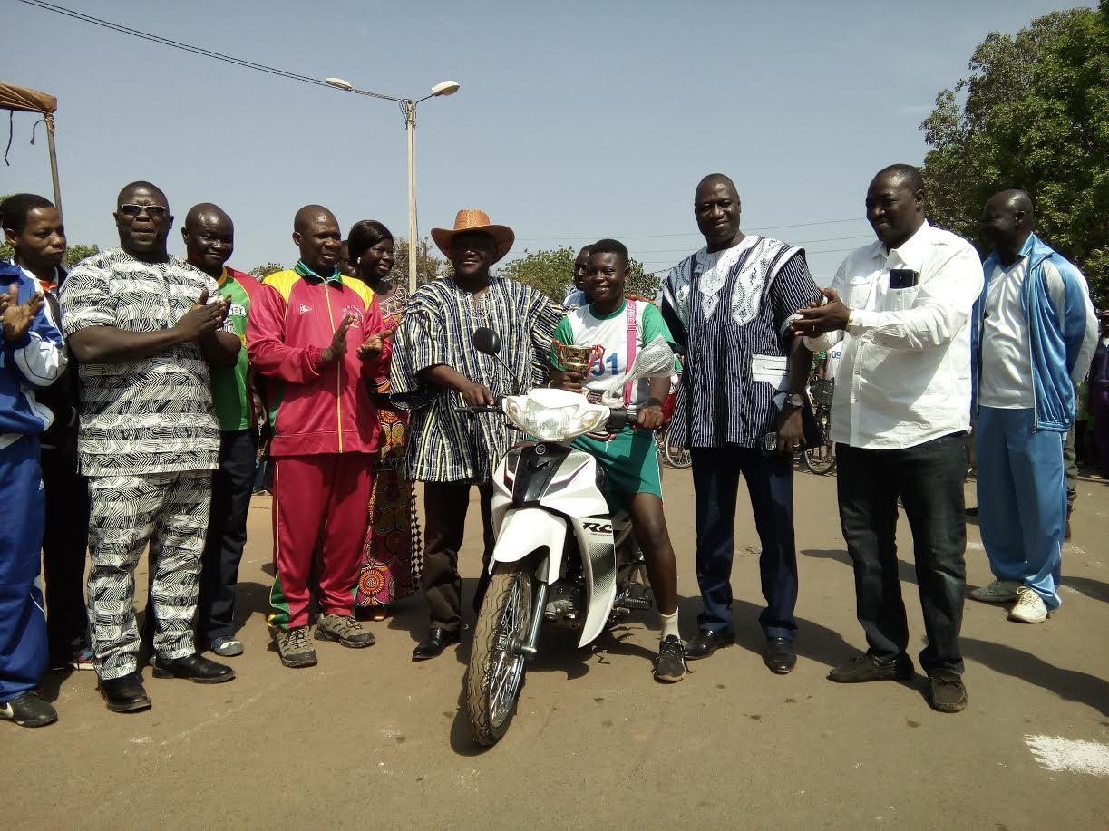 Journée sportive du Nahouri: Le ministre Azoupiou réhabilite sportivement Pô