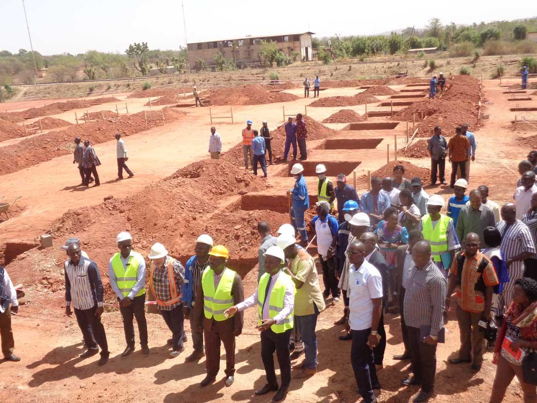 Construction de l'usine d'égrenage de Koudougou: Le ministre de l'Industrie évalue le taux d'exécution à 55%