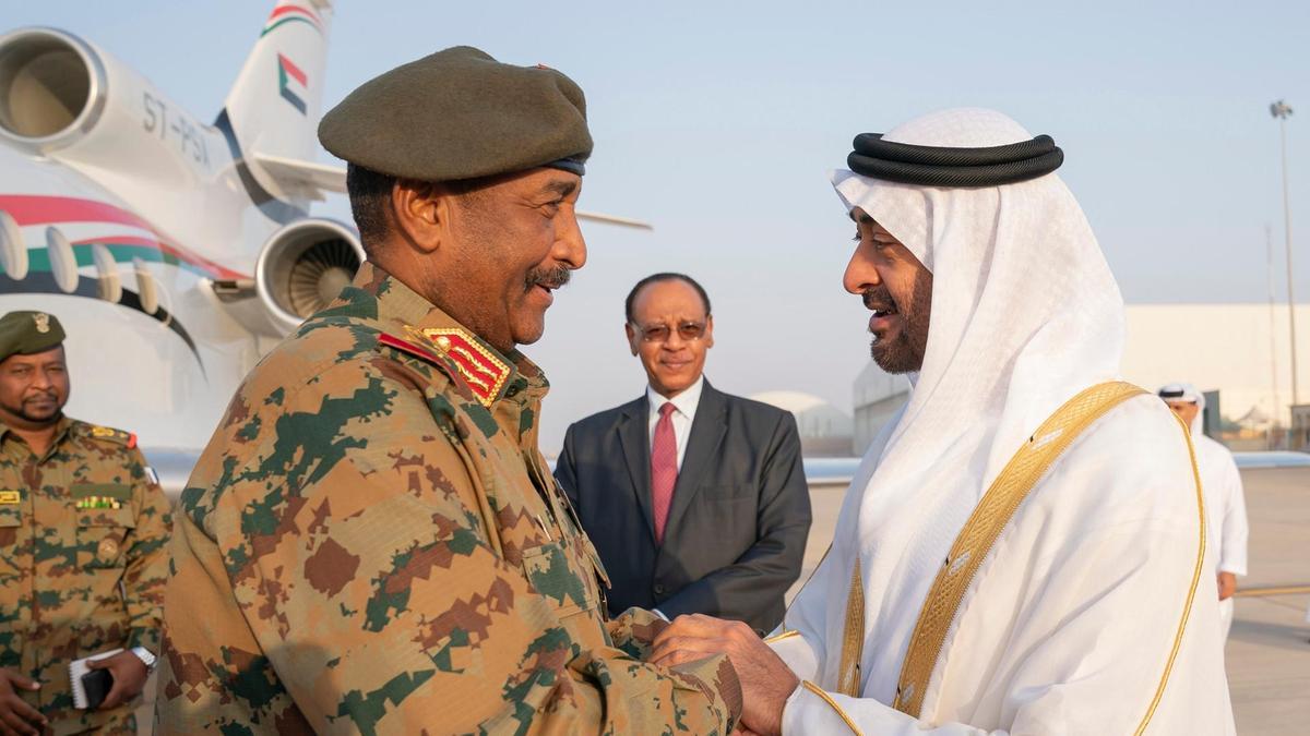 Transition civile au Soudan: Les militaires écartelés entre menace islamiste, changement et conservation de privilèges