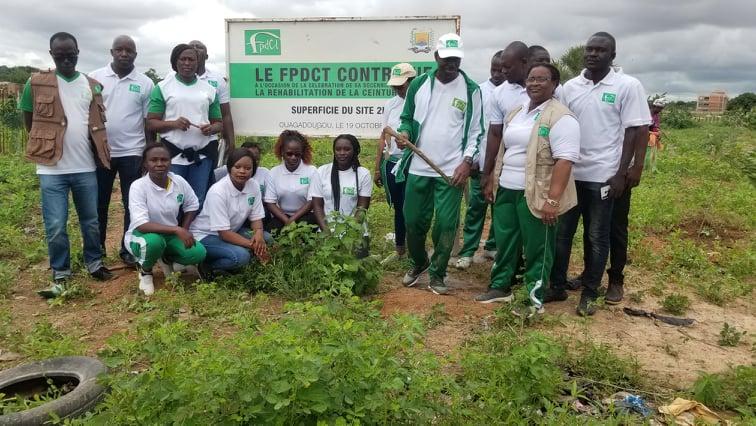 Réhabilitation de la ceinture verte de Ouagadougou: Le FPDCT met en terre une centaine de plants