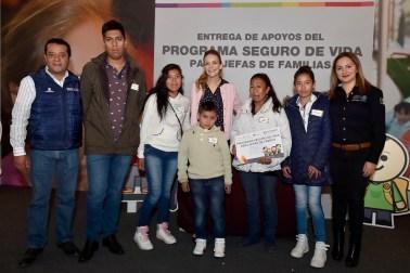 Otorgan DIFEM y SEDESOL apoyos a familias mexiquenses con orfandad materna 2
