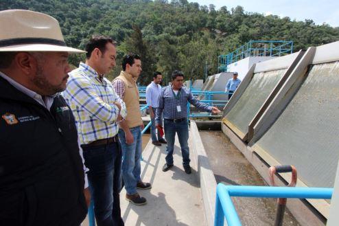 Verifican trabajos de saneamiento en la presa de Valle de Bravo