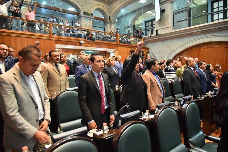 Exige-morena-en-la-60-legislatura-justicia-por-los-43-estudiantes-de-Ayotzinapa-desaparecidos-4