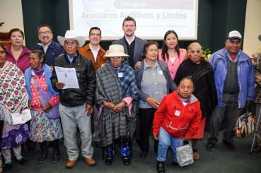 Otorga beneficencia del ISEM apoyos a personas con discapacidad visual y auditiva 5