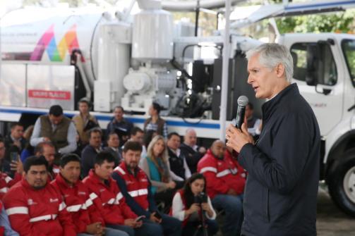Entrega Alfredo del Mazo equipo para reducir riesgos de inundaciones en temporada de lluvias 1