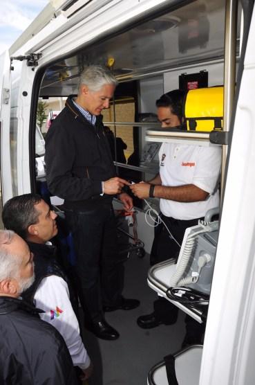 Entrega Alfredo del Mazo nuevas ambulancias al ISSEMYM para brindar mejores servicios de salud a sus derechohabientes 2