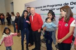 Entregan apoyos del programa familia fuertes por un mejor futuro a mujeres mexiquense
