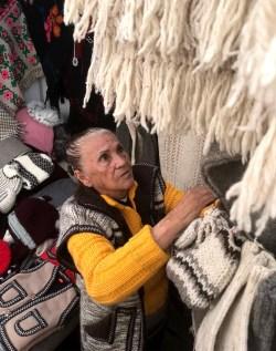 Suma artesana toluqueña 65 años dedicada al tejido de prendas de lana