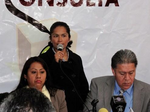 Priístas participan contra consulta, denuncian