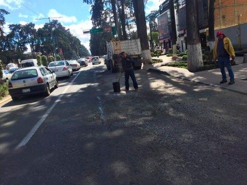 Trabajan-de-manera-intensiva-brigadas-de-bacheo-en-Toluca-1