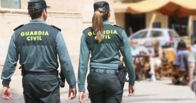 Guardia Civil controlando locales por Covid
