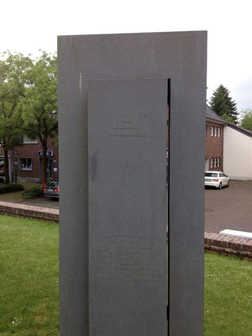 Grefrath Memorial 1