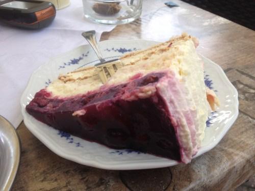 Overhetfeld Cake