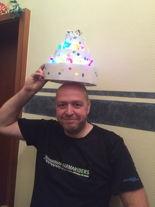 Jochen's Party Jochen with cake hat