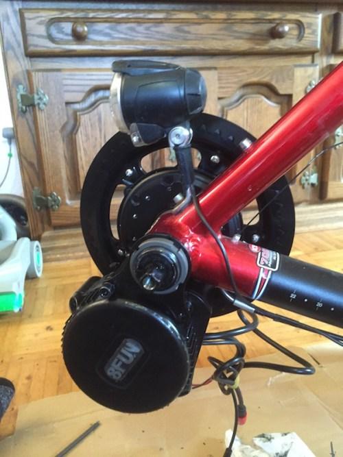 Motor and lock ring