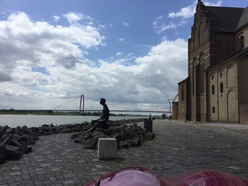 Emmerich bridge and statue