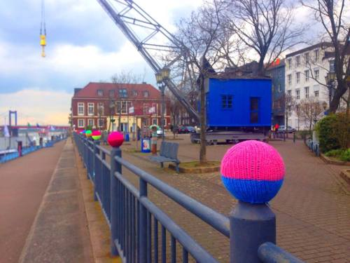 Klaus's Hafen Yarn Bombing
