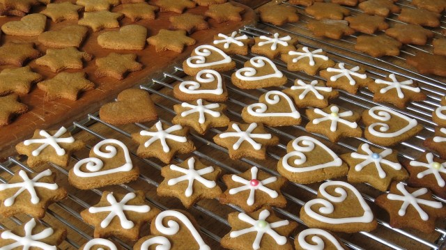 Bake Christmas Cookies Gingerbread Recipe Children Health