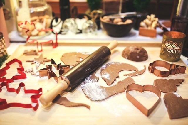 Bake Gingerbread Cookie Dough Christmas Children Recipe Health Honey